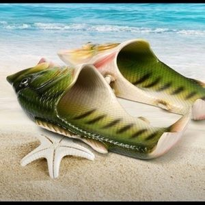 FISH SLIPPERS!!! Size 8